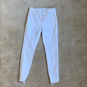 Super cute 4 button white jeans